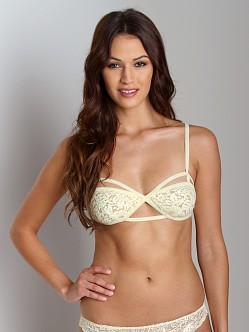 Lonely Cut Out Soft Cup Bra Butter Gardenia