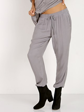 Complete the look: Bella Dahl Easy Sweat Pant Stone