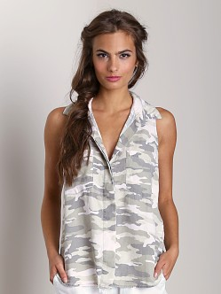 Bella Dahl Roll Sleeveless Split Back Shirt Moss Camo